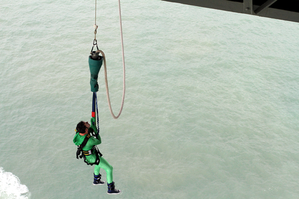 Bungy Jumping, Auckland Harbour Bridge